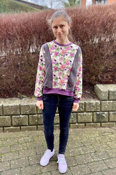 Miss Clover in view A with neckband and long sleeves. Junior Miss sizes 0-20 from Sofiona Designs.