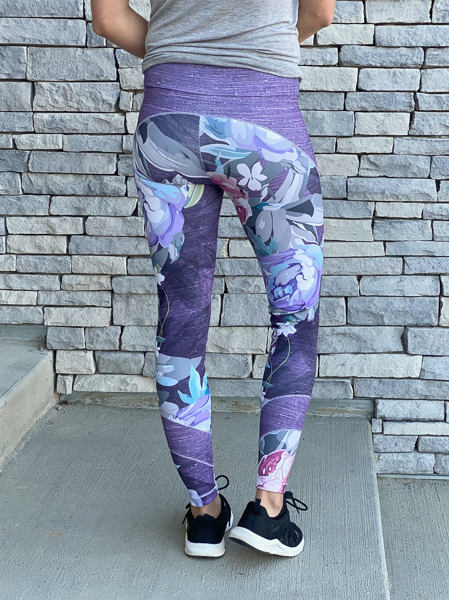 Miss Tamarack Tights by Sofiona Designs for sizes 0-20. Long cropped length, pieced upper and pieced ankle options.