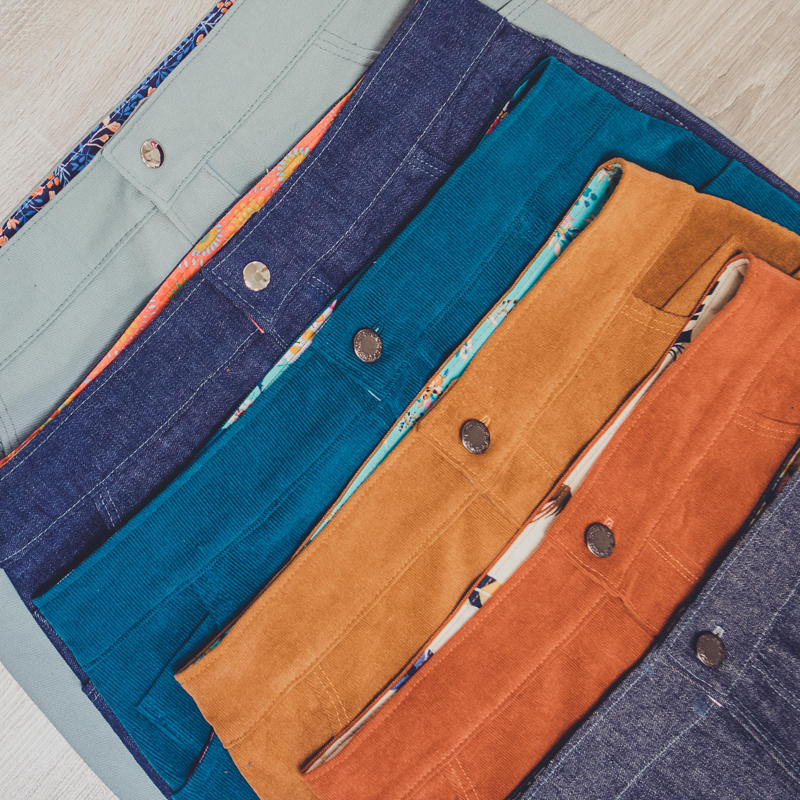 Classic skirt made in twill, denim and corduroy with zipper fly.