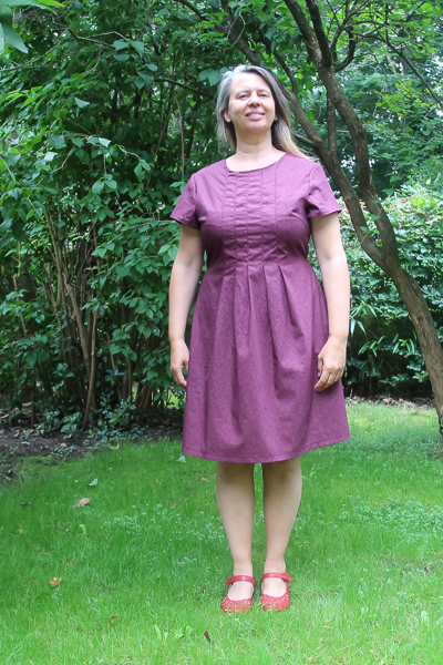 The Miss Haze top with pleated bodice, simple hem, and waist ties. Available from Sofiona Designs in junior miss sizes 0-20.