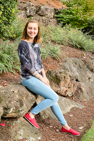 A raglan sweater with batwing sleeves. PDF Pattern for junior miss sizes 0-20 by Sofiona Designs.